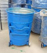 圆形铁制挂车垃圾桶 HC2035,铁制垃圾桶,挂车垃圾桶,轮轴垃圾桶,翻盖垃圾桶,环卫大铁桶