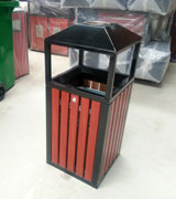 侧投口带烟灰缸 方形木条垃圾桶 钢木垃圾桶 HC3060,四侧投口钢木垃圾桶,钢木垃圾桶,带盖垃圾桶,木条垃圾桶,灭烟