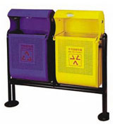 侧投口支架式钢木分类垃圾桶 HC2233,侧投口钢制垃圾桶,公园钢制垃圾桶,钢制分类垃圾桶